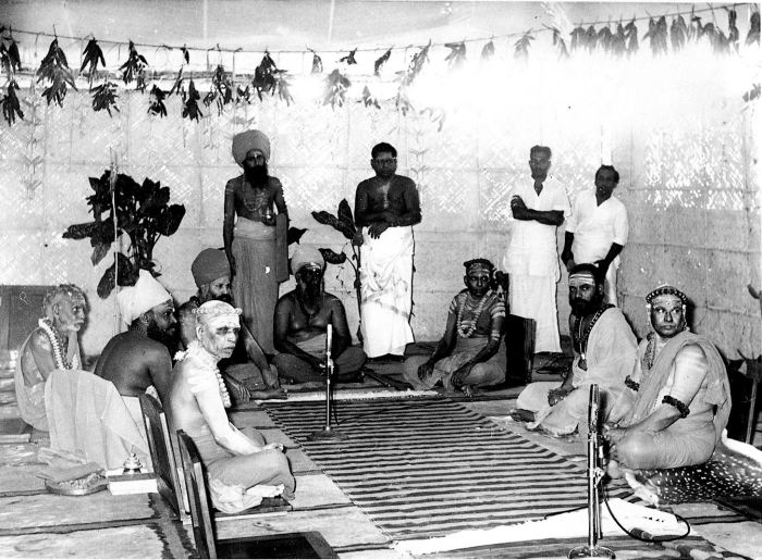 Periyava Sitting with others