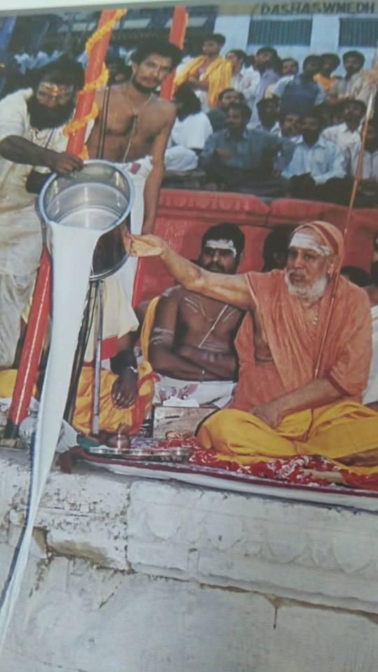 ksheera-abhishekam-kashi-vasant