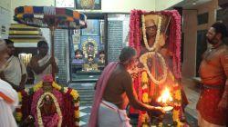 Mahaperiyava-deeparadhanai-kasi
