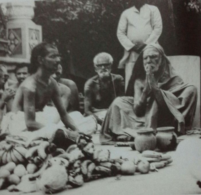 mahaperiyava-praying.jpg