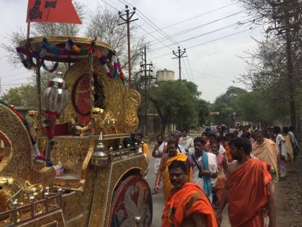 Mahaperiyava-ratham-kasi