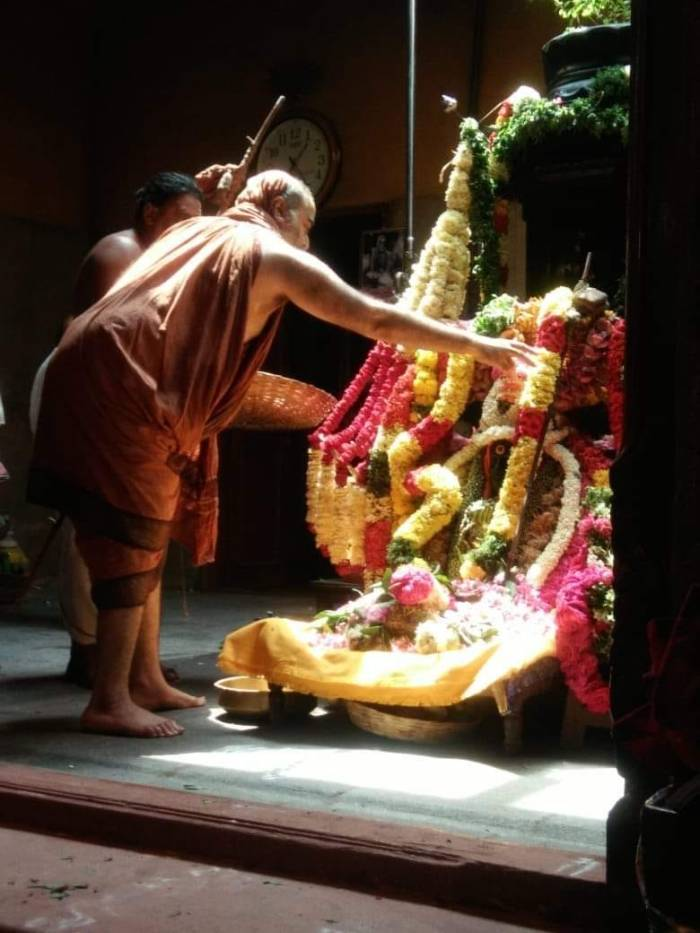 Bala-periyava-in-adishtanam.jpg